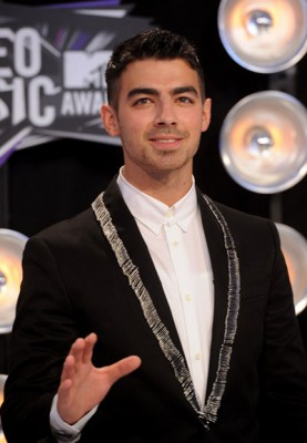 Why is Joe Jonas Sorry?