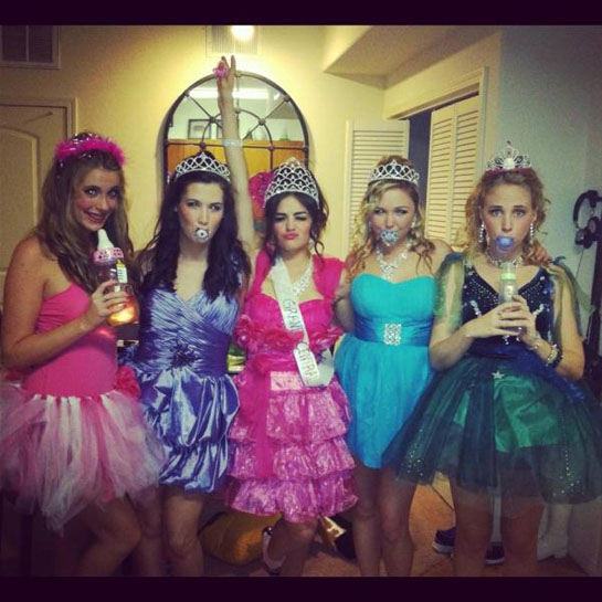 pretty little liars get into the halloween