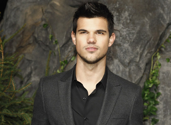 Top 5 Biggest Moments for Taylor Lautner in 2011!