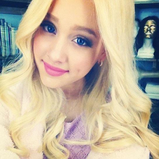 Ariana Goes Blonde for <em>Victorious</em>!