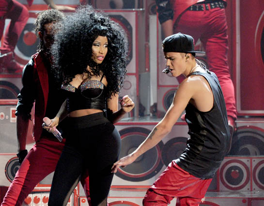 POLL: What Do You Think of Nicki's AMA Hair?