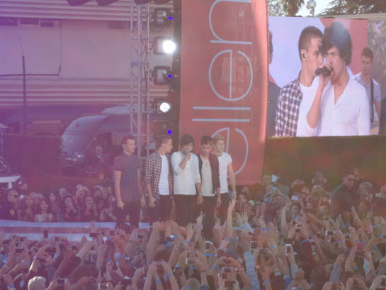 EXCLUSIVE: We Were There for 1D's Ellen Performance!