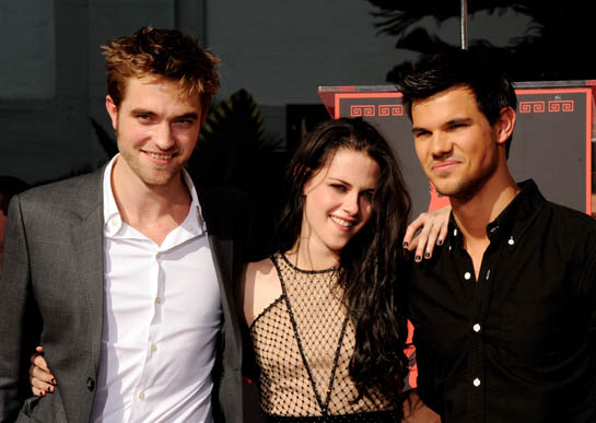 The Stars of <em>Twilight</em> Get the Best Thank You Gifts Ever
