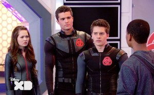 OMG, how hot does Spencer Boldman look in this suit?!