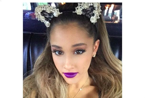 Ariana Grande's Cutest Hair Accessories