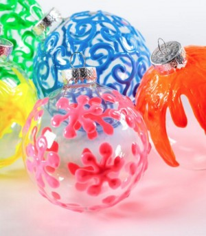 Tulip DIY Projects: Puffy Paint Ornaments