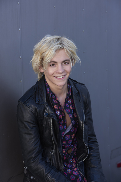 Exclusive: Ross Lynch Talks New Movie, Snowtime!