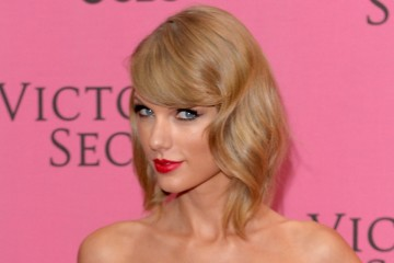 The 9 Times Taylor Swift Rocked Red Lips