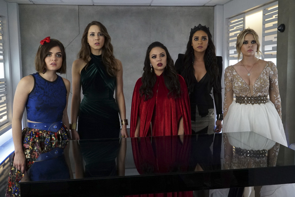 Quiz: Which 'PLL' Dress Should You Wear to Prom?