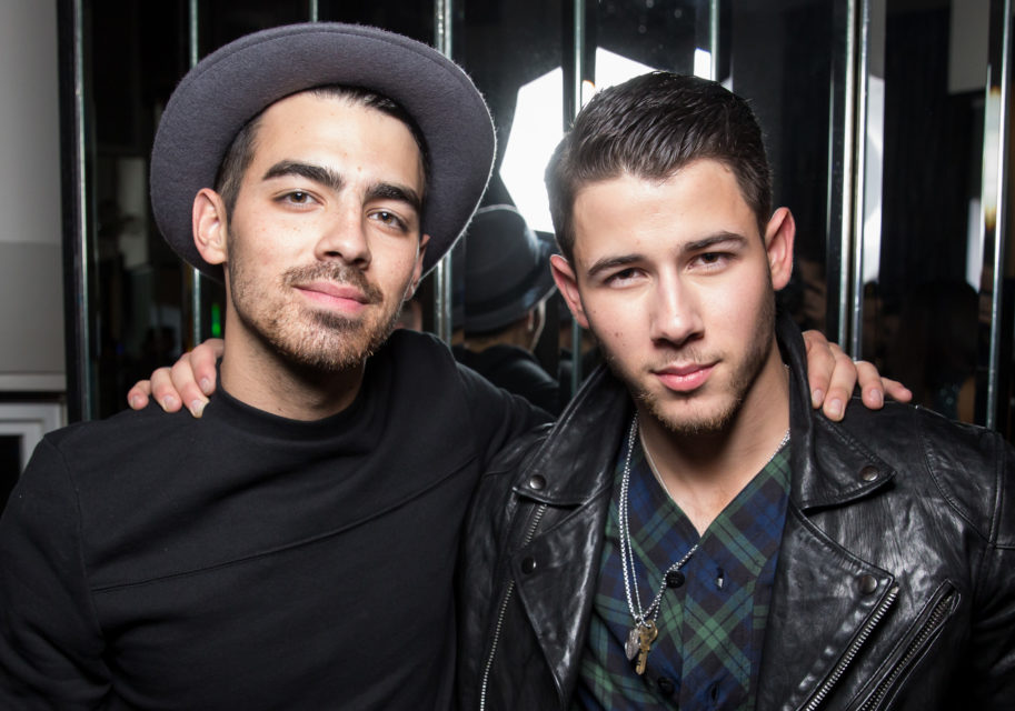 Two Jonas Brothers Reunited for a 'Lovebug' Performance