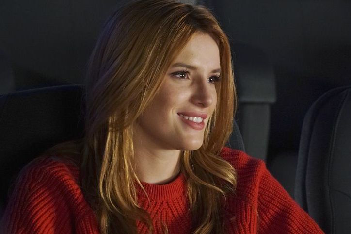 Bella Thorne Takes Over Hollywood In the New 'Famous In Love' Trailer