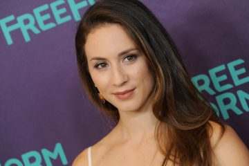 Troian Bellisario Directs an Episode of Pretty Little Liars!