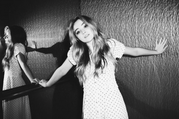Sabrina Carpenter Covers 'Heathens' by Twenty One Pilots
