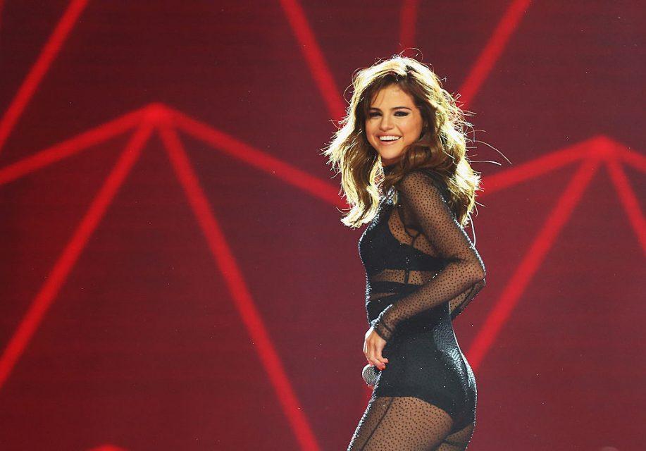 Selena Gomez and Kygo FINALLY Drop 'It Ain't Me!'