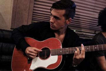 Jacob Whitesides Serenades Us With Beautiful Music