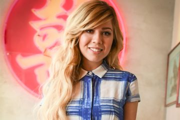 Jennette McCurdy is the Ultimate #Arianator!