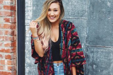 LaurDIY Shows Off Her New Apartment