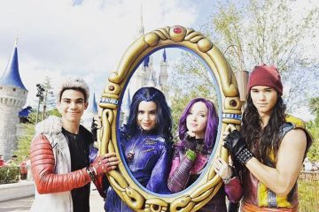 Here's Your First Look at the Cast of 'Descendants 2!'