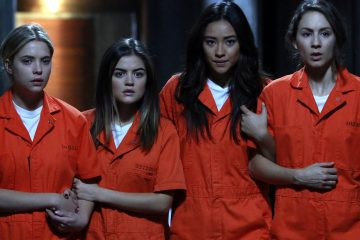 The 'PLL' Cast Posts Emotional Goodbyes On The Last Day of Filming