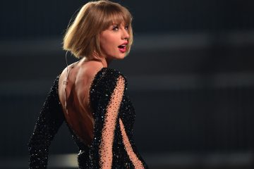 Taylor Swift Teases Her Formula One Concert With an Epic Throwback Performance