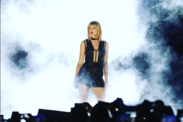 10 GIFs of Taylor Swift To Get You Through Her Long Hiatus