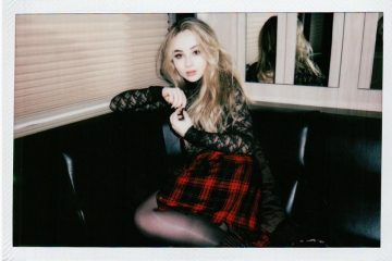 Sabrina Carpenter Celebrates Night One of the 'Evolution' Tour!