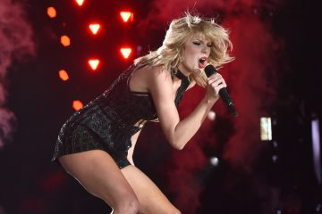 5 Fierce Taylor Swift GIFs