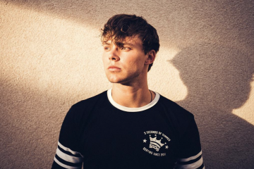 Ashton Irwin Teases a 5SOS Tour in a Heartfelt Letter to Fans