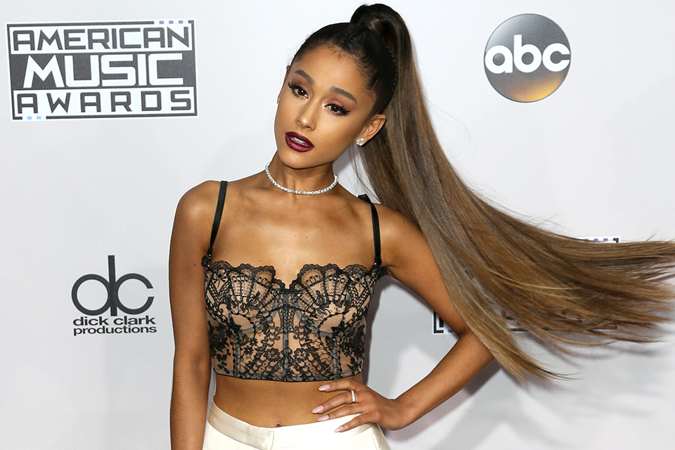 Ariana Grande is Prom Goals in This Giambattista Valli Gown