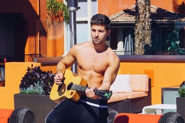 Jake Miller Shirtless Is Too Hot To Handle