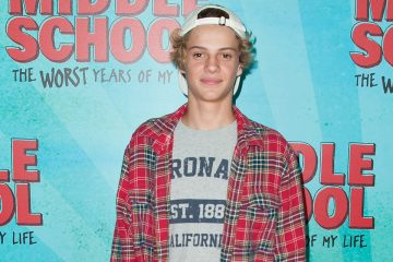 Jace Norman Tests Virtual Reality!