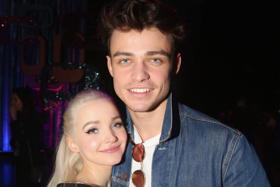 Dove Cameron Surprises Thomas Doherty On the Set of His New Movie | TigerBeat