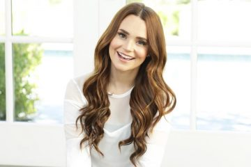 Rosanna Pansino Tries All the Pumpkin Spice Foods You Need to Grab Before Fall Ends
