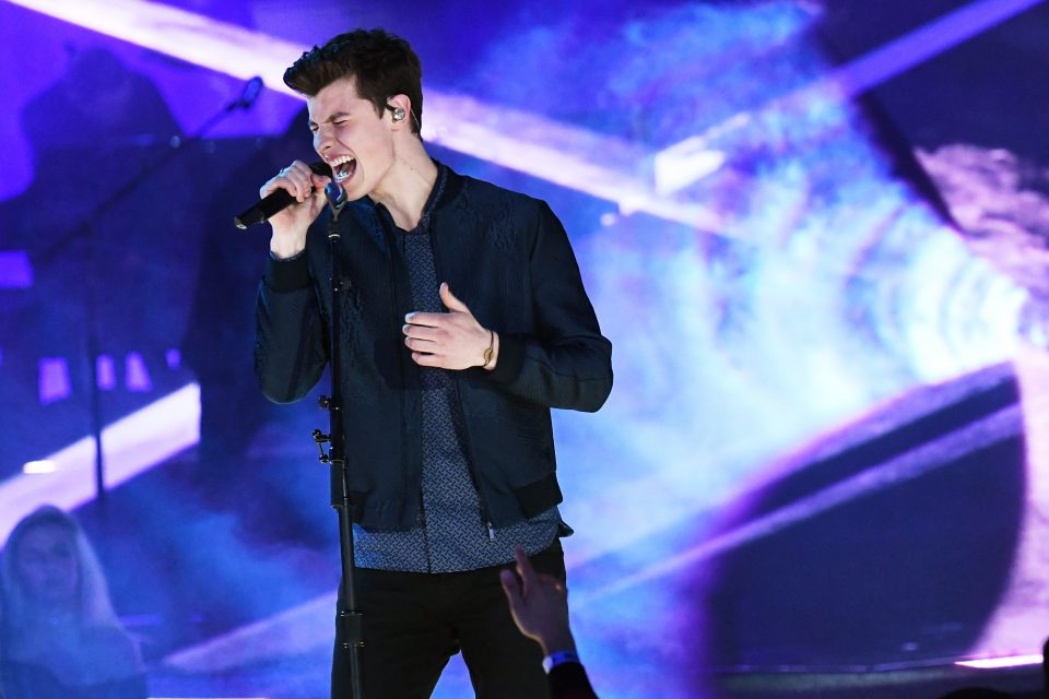 Quiz: Finish the Lyric – 'There's Nothing Holdin' Me Back' by Shawn Mendes