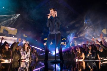This Fan Lost ALL Chill When She Was Surprised With Shawn Mendes Concert Tickets