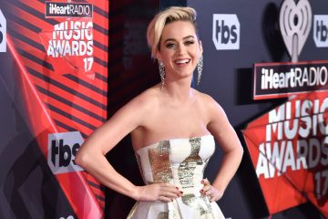 Katy Perry Teases New Album 'Witness'