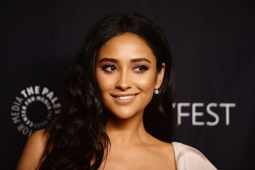 Shay Mitchell Teases the End of 'Pretty Little Liars'