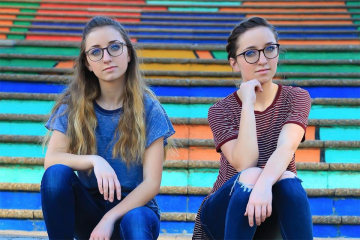 Brooklyn & Bailey Release 'Simple Things' Music Video