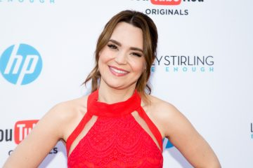 Rosanna Pansino Teams Up with LaurDIY in New Baking Video