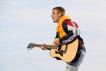 Justin Bieber Releases 'Friends!'