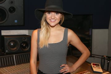 Kelsea Ballerini Reveals Her Celebrity Crush!