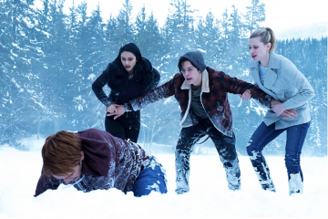 This is Why Fans Think Riverdale Season 2 Will Involve Werewolves