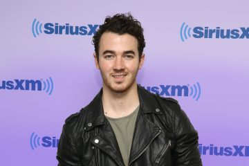 Kevin Jonas Tweets About the Original Queens of Disney Channel