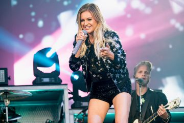 Kelsea Ballerini Celebrates Her First Number 1 On iTunes