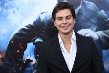 Jake T. Austin Wants a 'Wizards of Waverly Place' Reunion