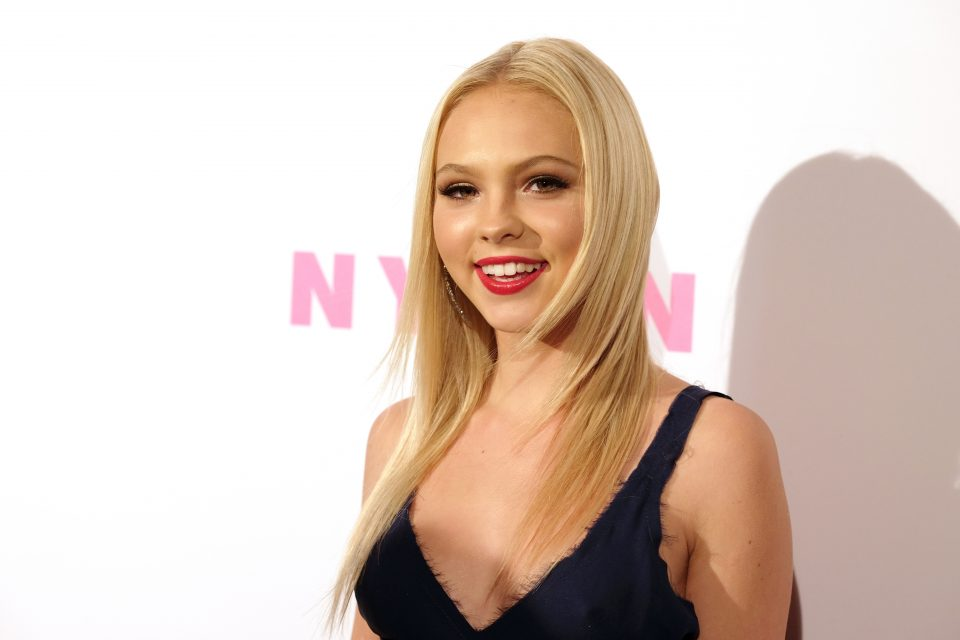 jordyn jones takes fans along on hawaiian adventure tigerbeat