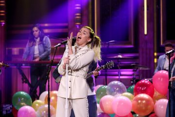 Miley Cyrus Debuts 'Younger Now' Music Video