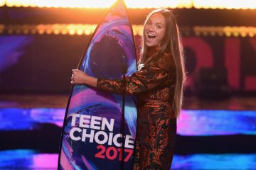 Quiz: Which 2017 Teen Choice Awards Look Are You?