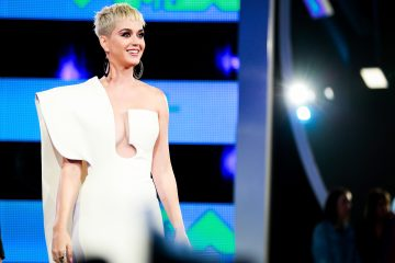 Katy Perry Got Stuck on a Floating Planet During Her Nashville Concert