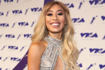 Your Parents on Christmas, According to Eva Gutowski